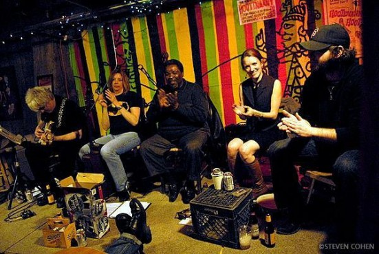 2009 Mad Ripple Hootenanny at Java Jack's with Curtiss A, Gini Dodds, Clark Adams, Eliza Blue, and John Swardson. (Photo by Steven Cohen.)