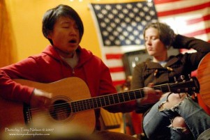 (L-r) Mayda and Brianna Lane at The Mad Ripple Hootenanny at Java Jack's basement, 2007. (Photo by Tony Nelson.)